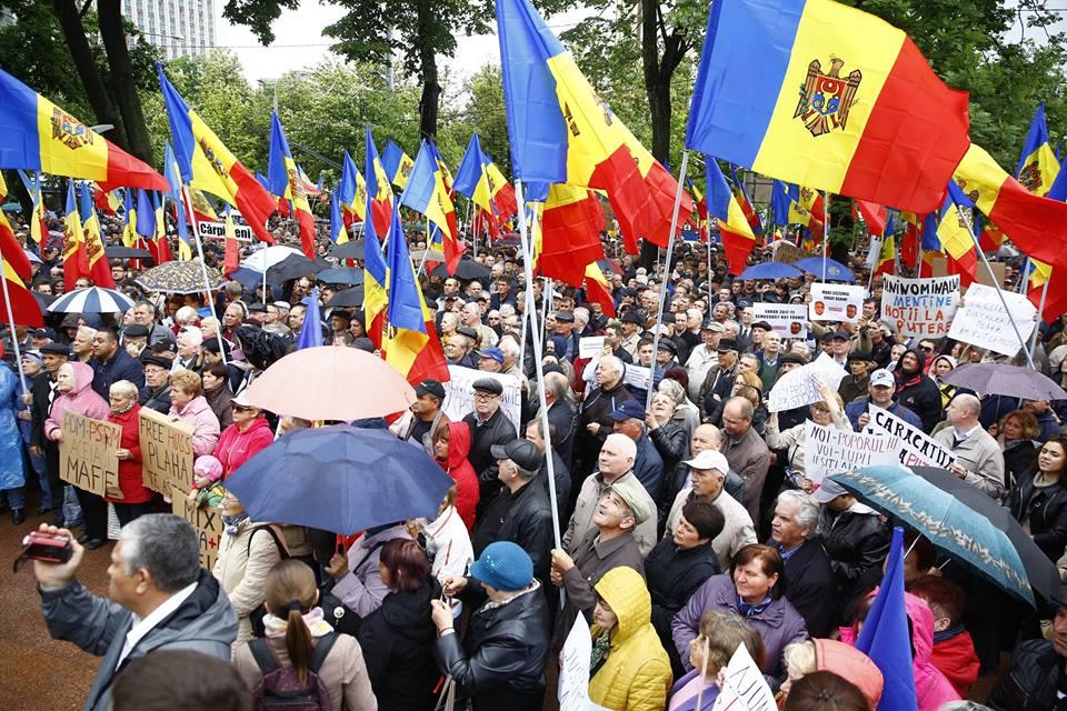 Молдова: давление на гражданское общество растет; правительство не оставляет попыток изменить избирательную систему.
