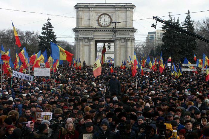 Новые антикоррупционные протесты сплотили разобщенных молдован против недавно сформированного правительства