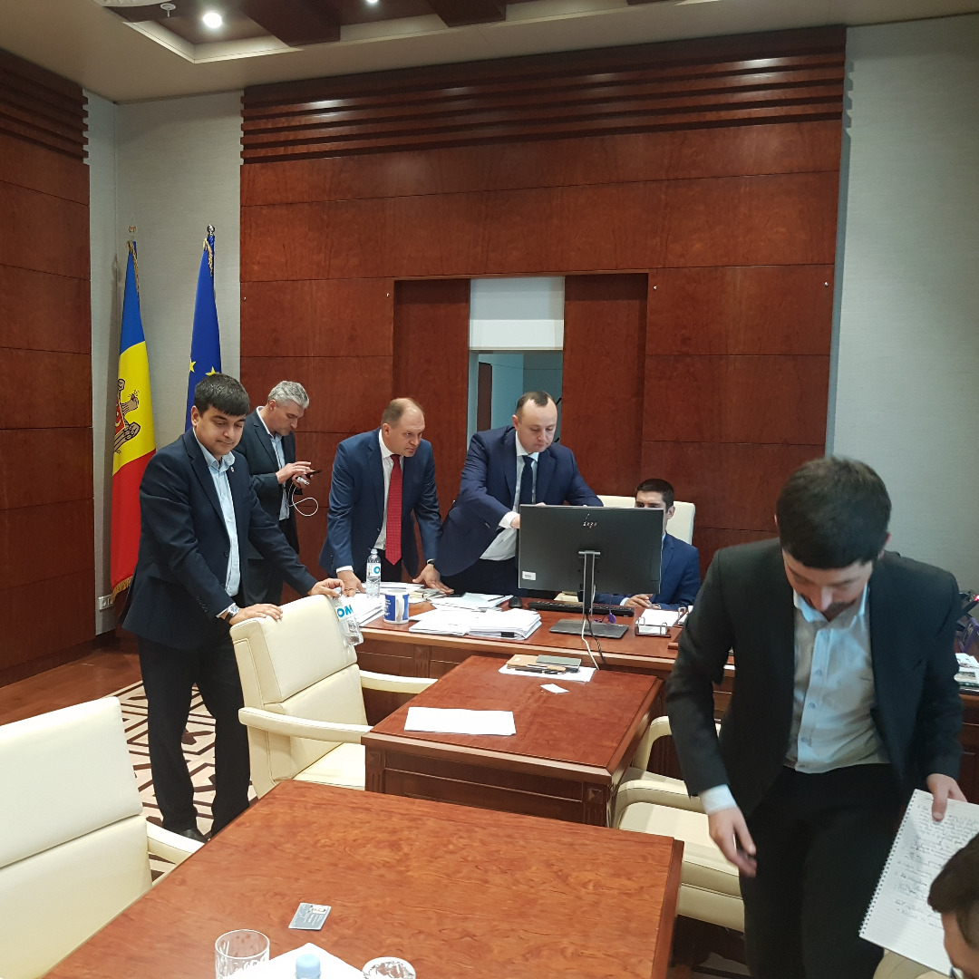 Meeting Moldovan Parlamentary coalition-cropped