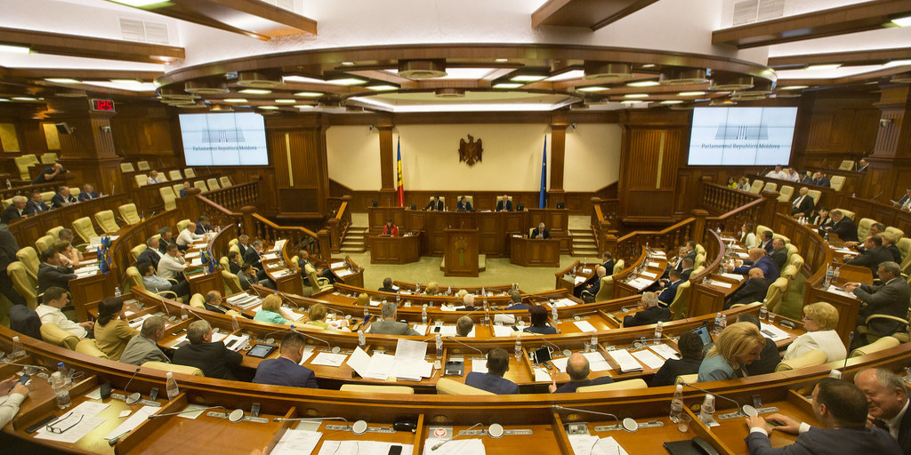 Recognise the Moldovan Parliament and Coalition Government